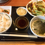 97689194 - ハラミ定食のライス、スープ、サラダ等