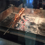 ラニ チキン ファクトリー - ラニチキン 焼き中
