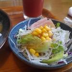 カレーやSAN - シーフードのサラダ