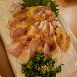 骨付肉専門 徳太郎 - 赤鶏のタタキ 790円