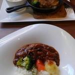 cafe&BistroKitchen Belle anse - ハヤシライスと鶏肉のソテー
