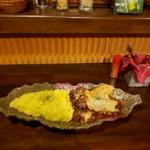 97702559 - チキンハンバーグカレー 両方大盛り ダブルチーズ
