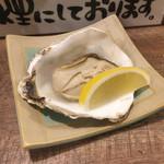 海鮮立呑 牡蠣スタンド - レモンで頂きまひょ