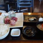 三崎「魚市場食堂」 - 日替わり定食