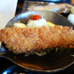 三崎「魚市場食堂」 - マグロかつ