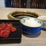 焼肉 黄金の牛 - 【熟成ハラミセット】(ライス大盛り)税込¥950