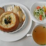 9771063 - パングラタン サラダ・スープ付 800円