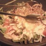 旬菜 kitchen すぐり - ぷりぷりえびのコンデンスミルクサラダ