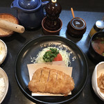 とんかつあさくら - 選り抜き特上ロースとんかつ定食(2,200円)
