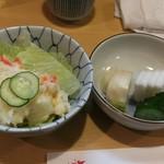 とんかつ燕楽 - ポテサラと漬物