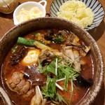 カレー気分 - チキン(+舞茸/オクラ/ブロッコリー/チーズ) 1240円
