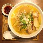 97712839 - 濃厚醤油鶏白湯ラーメン