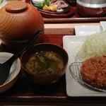 長津田農場 - 料理写真:和豚もちぶたロースかつ(1130円)+ご飯セット(700円)