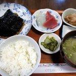 羅甸 - 料理写真:銀鱈の煮付 お刺身を付けて!