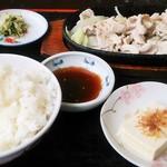 山盛食堂 - 豚焼肉定食500円!