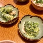 手打蕎麦 とし庵 - お通し ブロッコリーと帆立の貝柱の和え物