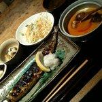 情熱食彩 京色 - 秋刀魚炭火焼と茶碗蒸し定食