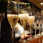 バー ニート - 乾杯はシャンドン