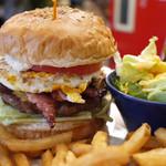 ローラーコースト - ベーコンチーズバーガー+フライドエッグ
