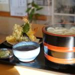 びっくりうどん - 料理写真:天ぷら釜揚げうどん