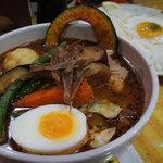 CHUTTA! - 料理写真:角煮カレー+目玉焼き