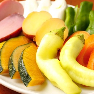 鎌倉直送の野菜を中心に農家直送有機野菜を贅沢に使用