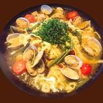あさりと山菜の鰹出汁の和風ペペロンチーノ