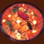 ルージュトマト - 海老とモッツァレラのトマトソース