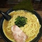 誠屋 - 太麺ラーメン大盛