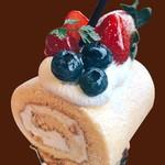 ルージュトマト - ★冬期限定★ベリーと栗のデラックスロールケーキ