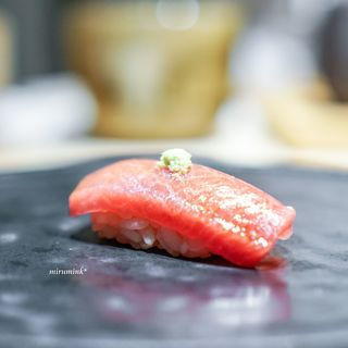 鮨 唐島 - 料理写真:大間のトロ