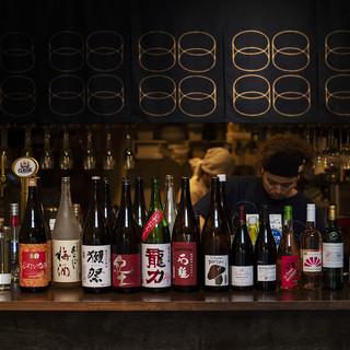 ワインは常時10種以上。日本酒も常時10種の品揃え。