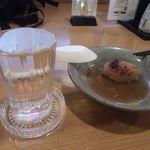 一軒め酒場 - 白鶴(燗)205円(税込)&とり味噌大根煮173円(税込)