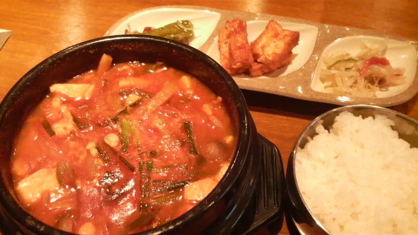 韓国料理 二階屋