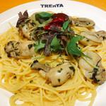 トレンタ  - 料理写真:カキのペペロンチーノ(期間限定)