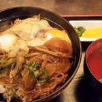 そば茶屋庄吉 - すきやき丼。