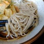 そば処 亀島 - 麺アップ