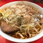 ラーメン二郎 - 麺少なめ(ニンニク・あぶら)(700円)