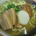 沖縄そば 薫風 - 料理写真:薫風そば (500円)