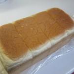 贅沢生食パン工房 鎌倉屋 - 贅沢生食パン800円。