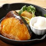 旬ブリの照り焼き風ステーキ
