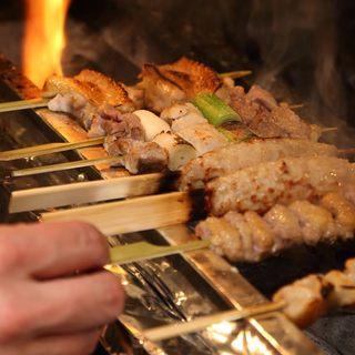 日本三大地鶏『比内地鶏』を使用!備長炭で焼いた焼き鳥は絶品♪