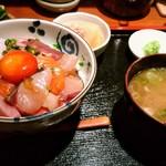 97800062 - 海鮮丼(大)