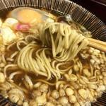 嵯峨谷 - お蕎麦は平べったい