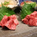 もつ吉 - ■プレミアム 肉刺し6種盛り合わせ 2~3人前(2,980円)