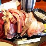 魚菜はざま - デフォルトです。圧巻の盛り方