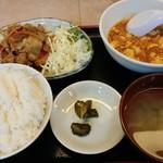 中華食堂 萬里 - Aセットを頼んだはずだったが、やってきたのは....
