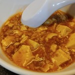 中華食堂 萬里 - カラシビの気配が全くない、いかにも日本スタイルな麻婆豆腐。たま~に辛味はラー油からか。