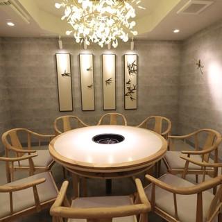 扉付き完全個室を5部屋ご用意。接待・会合・結婚前両家顔合わせ