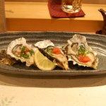 すし家 - 岩牡蠣